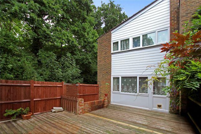 Thumbnail Terraced house for sale in Stoneyfield, Edenbridge