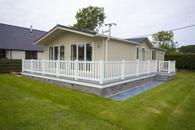 Thumbnail Mobile/park home for sale in Parc Y Wern, Llangoed, Beaumaris