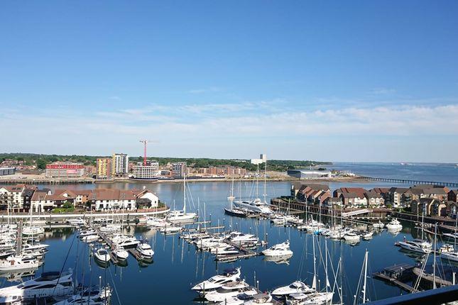 Thumbnail Flat to rent in Admirals Quay, Ocean Village, Southampton
