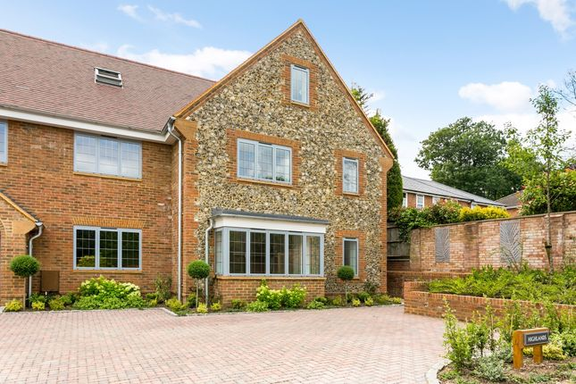 Thumbnail Semi-detached house to rent in Moyleen Rise, Marlow