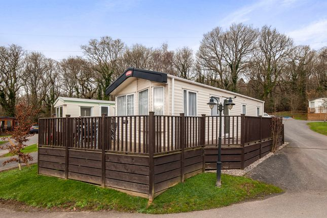Thumbnail Mobile/park home for sale in Finlake Holiday Village, Chudleigh, Newton Abbot