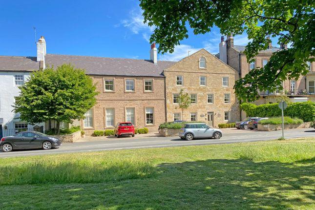 Thumbnail Flat for sale in Devonshire Place, Harrogate