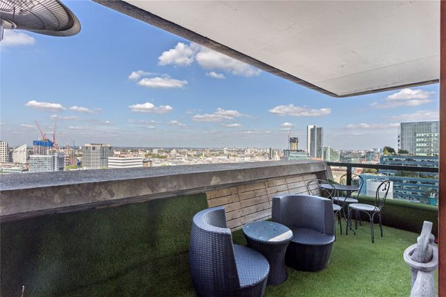Thumbnail Flat for sale in Cromwell Tower, Barbican, London