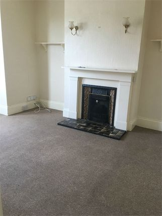 2 bed flat to rent in Drummond Road, Boscombe, Bournemouth