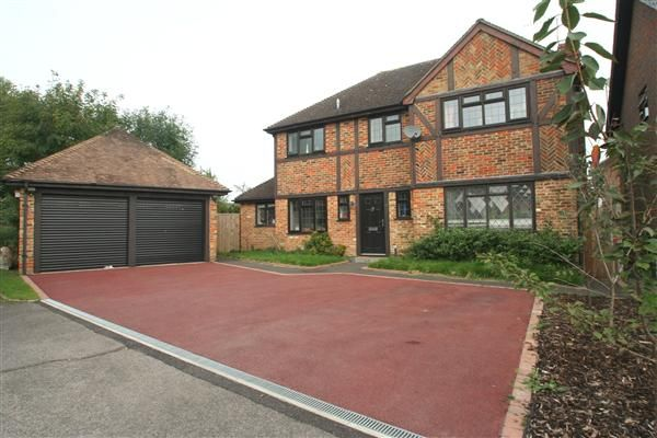 Thumbnail Detached house to rent in Ravenscroft, Hook, Hampshire