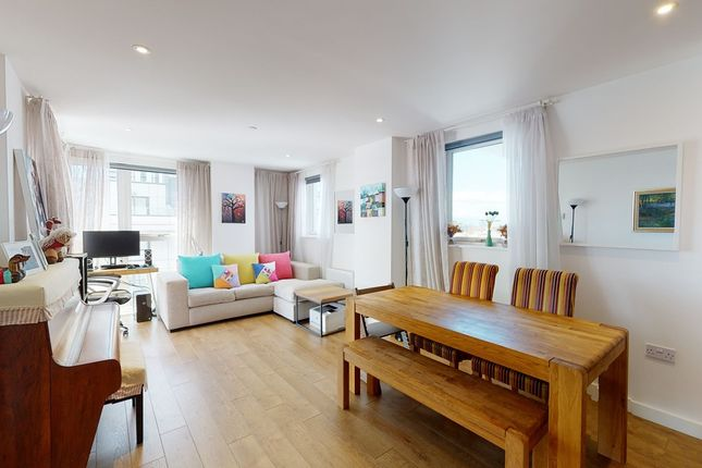 Thumbnail Flat to rent in Bessemer Place, London