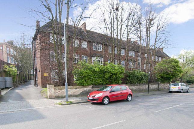 Thumbnail Flat to rent in Carleton Road, London
