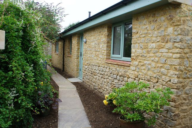 Thumbnail Detached bungalow to rent in Fleet Street, Beaminster