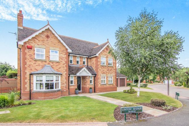 Thumbnail Property for sale in Linton Avenue, Solihull, West Midlands, Uk