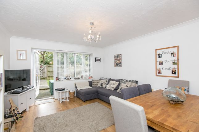 Thumbnail Terraced house to rent in Angel Place, Binfield