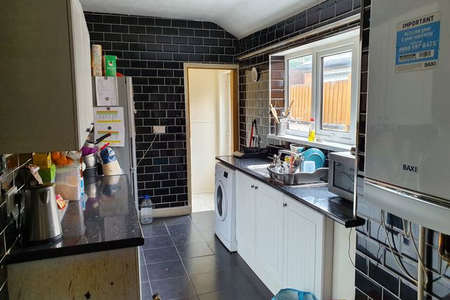 Kitchen  of Bentley Lane, Walsall WS2