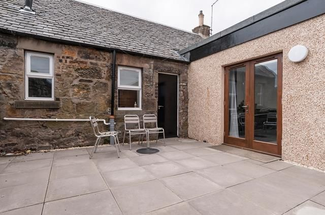 Thumbnail Cottage to rent in Captains Road, Edinburgh