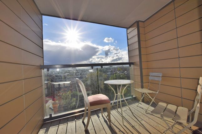 Thumbnail Flat for sale in Oak Square, Brixton