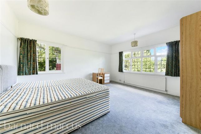 Bedroom 1 of Selcroft Road, Purley CR8