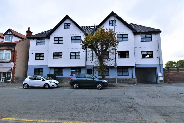 2 bed flat to rent in Everard Road, Rhos-On-Sea LL28