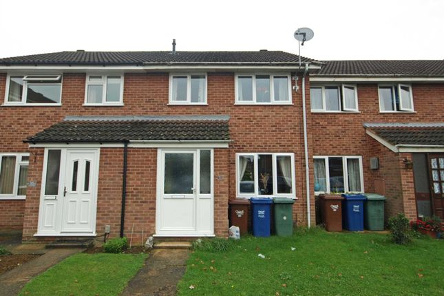 3 bed terraced house for sale in Fairford Way, Bicester