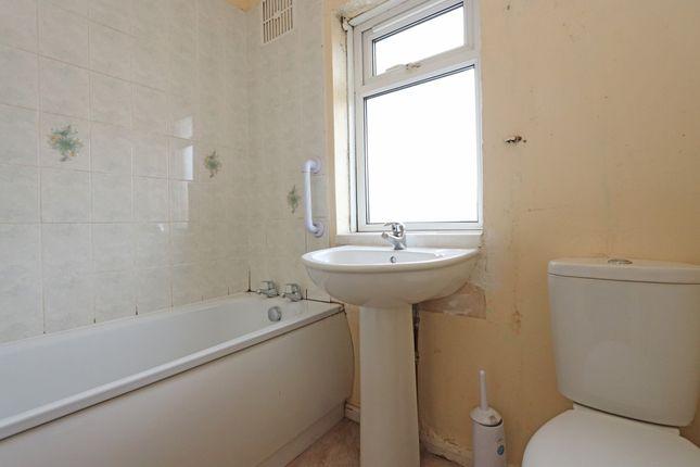 Bathroom of Cleaves Close, Thorverton, Exeter EX5