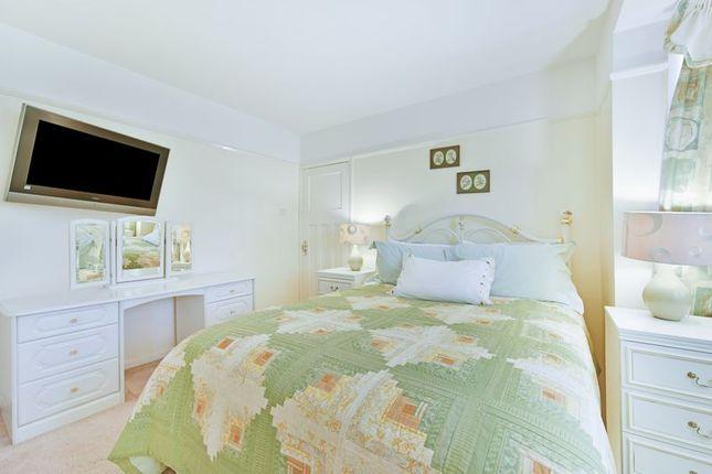 Bedroom of Brockenhurst Way, London SW16