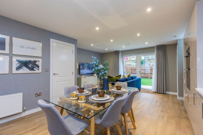Thumbnail Town house for sale in Southampton Road, Camberwell, London