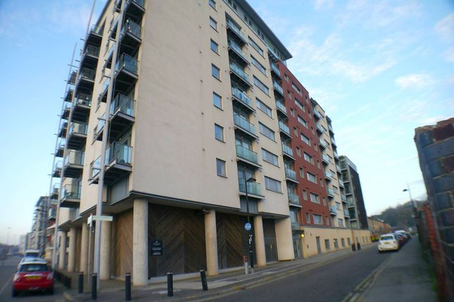 2 bed flat to rent in Patteson Road, Ipswich, Suffolk IP3