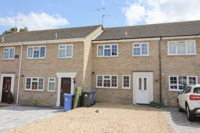 Thumbnail Terraced house for sale in Valmeade Close, Hook