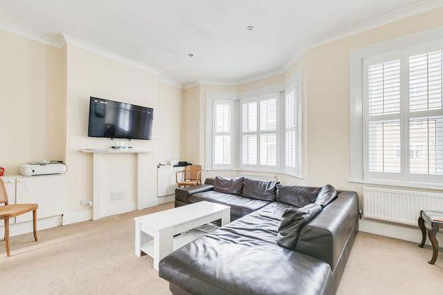 Thumbnail Maisonette to rent in Kelvedon Road, London