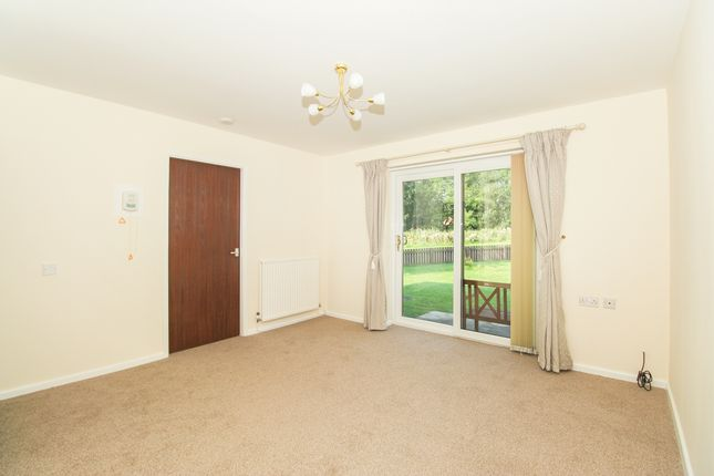 Living Area of Rednall Close, Holme Hall, Chesterfield S40