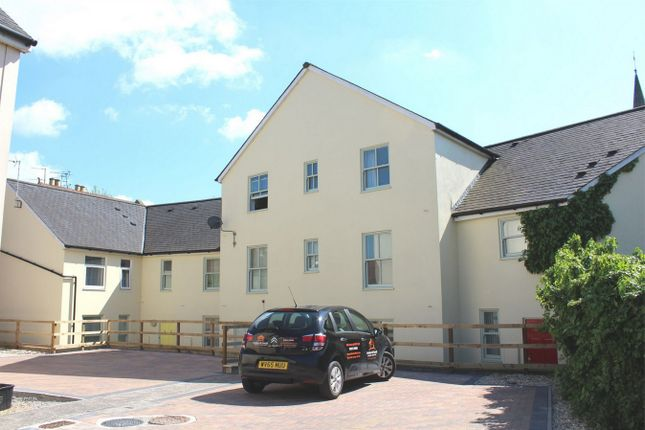 Thumbnail Flat to rent in St. Andrews Road, Taunton