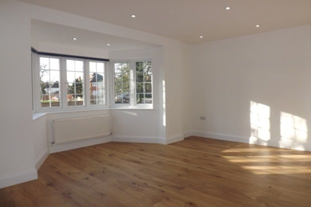 Thumbnail Property to rent in Chase Side, London