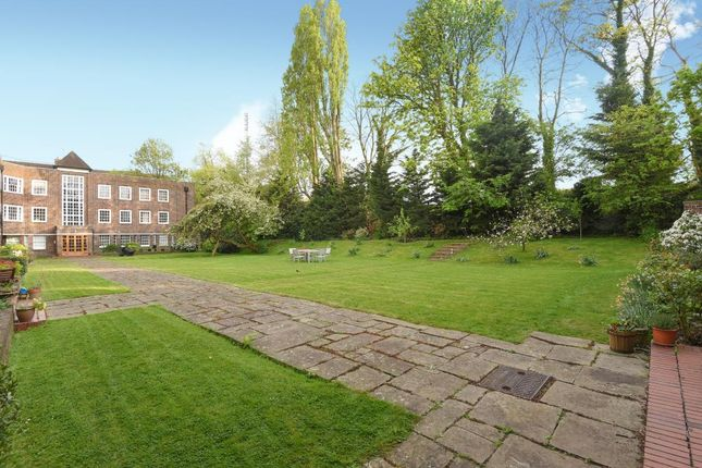 Garden of Corringham Court, Golders Green NW11