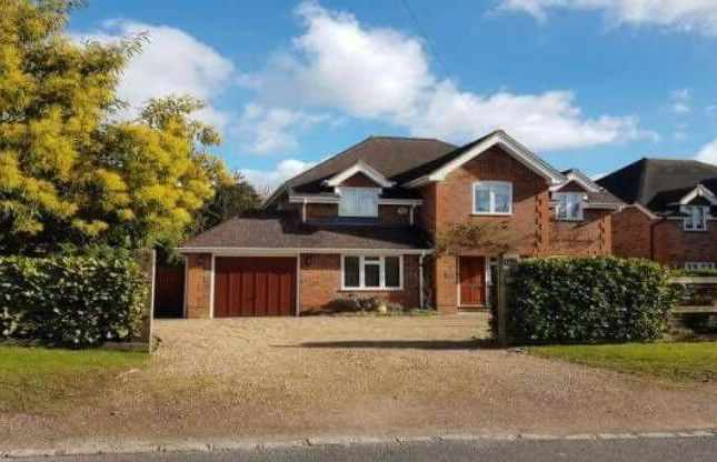 Thumbnail Detached house to rent in Denham Lane, Chalfont St. Peter, Gerrards Cross