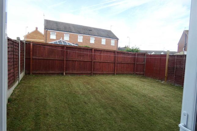 Gardens: of Woodcross Avenue, Scunthorpe DN16