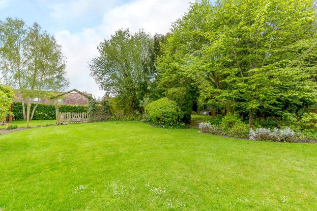 Picture No. 24 of Fullers Road, Aston Upthorpe, Didcot, Oxfordshire OX11