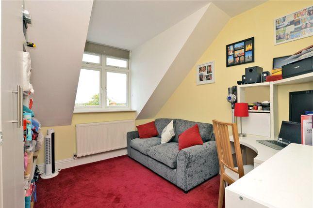 Picture No. 10 of Brinkley Court, 32 Brinkley Road, Worcester Park KT4