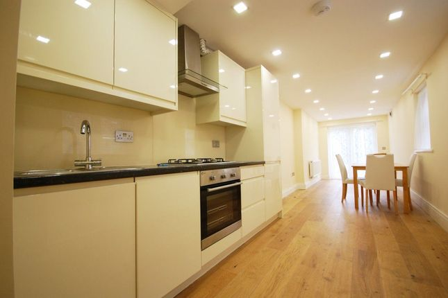 Thumbnail Flat to rent in Willingdon Road, London
