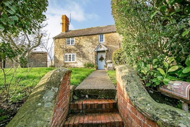 Thumbnail Detached house for sale in Back Street, East Stour, Gillingham