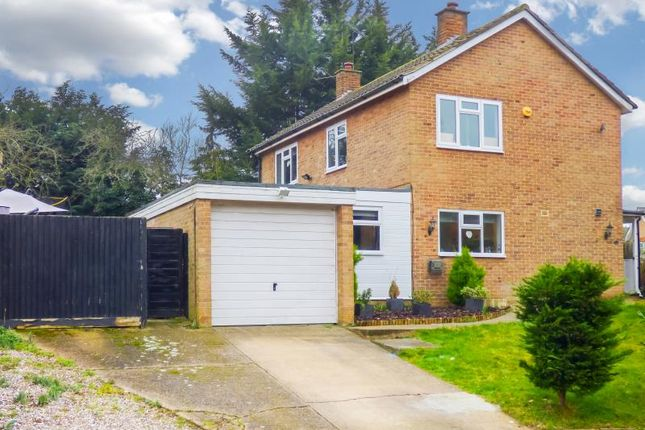 Thumbnail Detached house for sale in Hawkenbury, Harlow, Essex