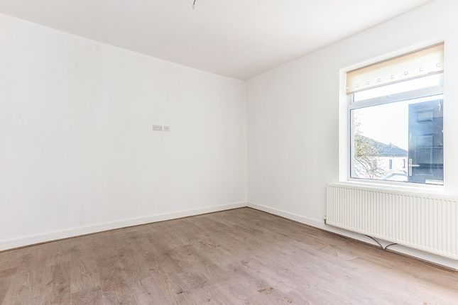 Thumbnail Flat to rent in Whalley Road, Clayton Le Moors, Accrington, Lancashire