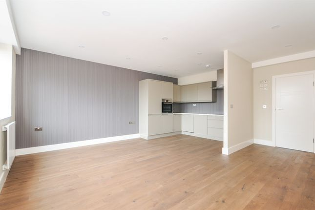 Thumbnail Flat for sale in Broomfield Road, Broomfield, Chelmsford