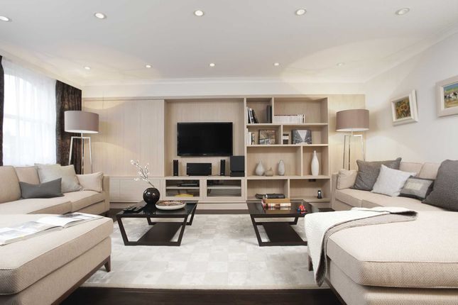 Thumbnail Flat to rent in Claverley Court, Knightsbridge