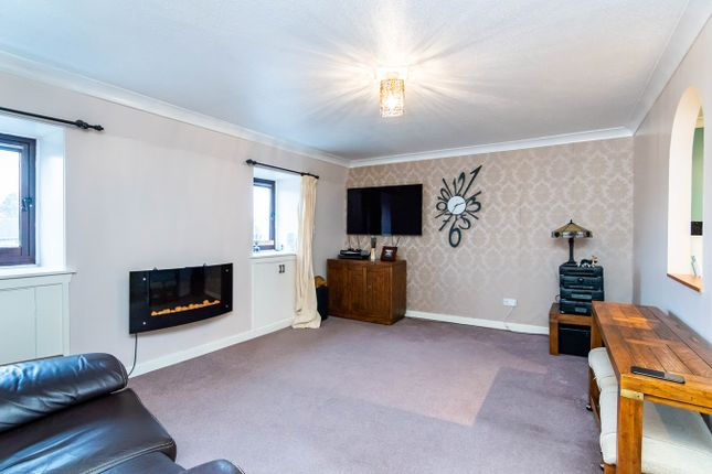 Thumbnail Flat for sale in West Main Street, Uphall, Broxburn