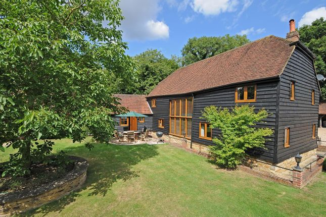 Thumbnail Barn conversion to rent in Kerves Lane, Horsham, West Sussex
