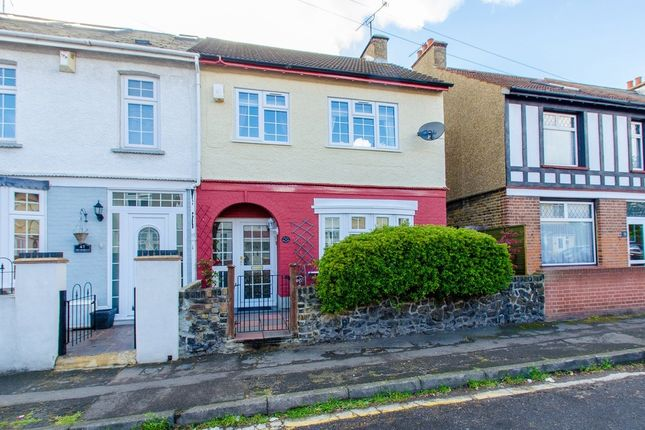 3 bed semi-detached house for sale in Stanbrook Road, Northfleet, Gravesend