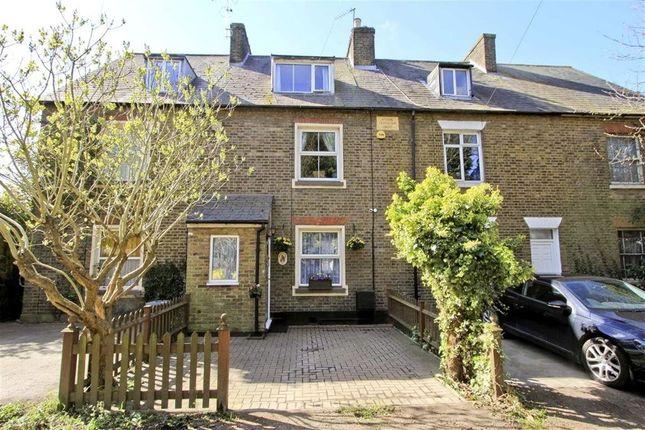 3 bed cottage to rent in Park Road East, Uxbridge