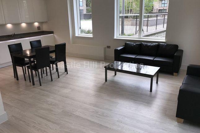 Thumbnail Flat to rent in 3 Lakeside Drive, Park Royal, London.