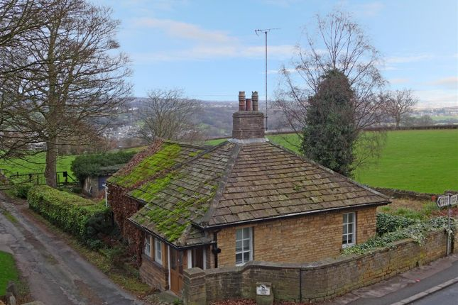 Thumbnail Bungalow for sale in Town Gate, Calverley, Pudsey