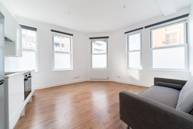 1 bed flat to rent in 6 Silmore Lodge, London SW12