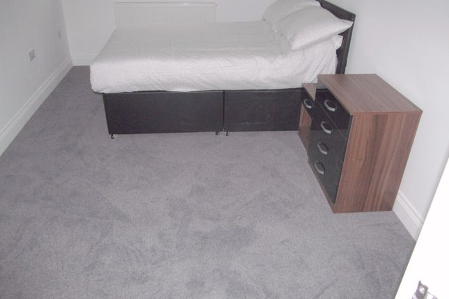 Room to rent in Bray Road, Reading RG30