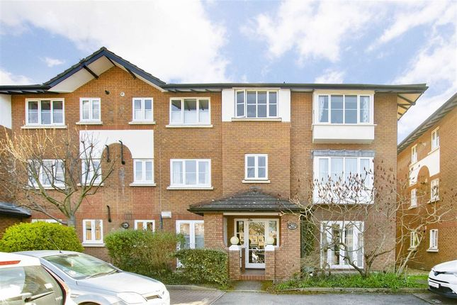 Thumbnail Property to rent in Kingsworthy Close, Kingston Upon Thames