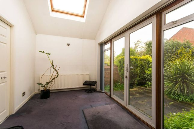 Thumbnail Bungalow for sale in Orchard Close, Forest Hill